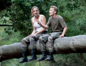 Les Combattants Review Love at First Fight Review